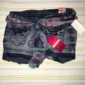 Wallflower Cutoff Shorts With Scarf Belt 1086